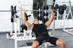 man-doing-bench-press-starting-position